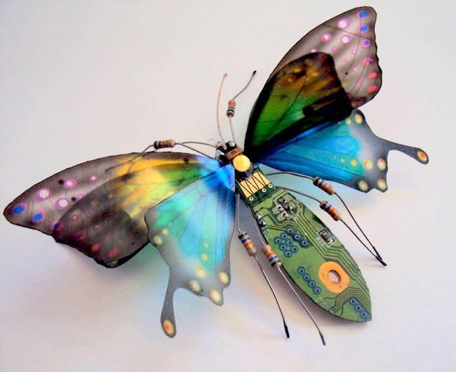 julie alice chappell sculpture insectes composants electronique 8 - Incroyable, Ces Sculptures de Papillons sont des Composants Électroniques