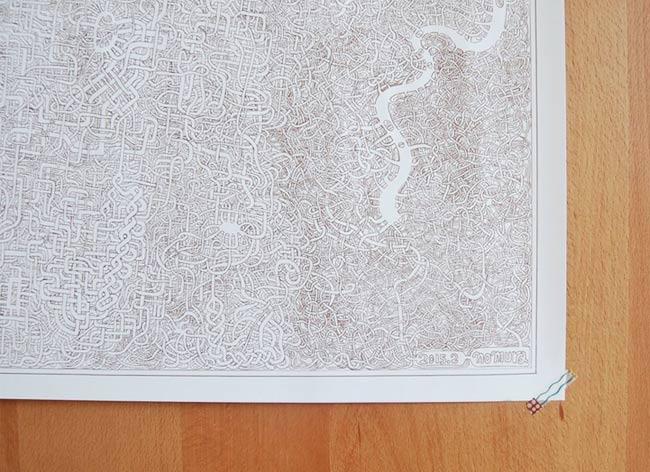 , Pour sa Fille Adorée, il Dessine le plus Complexe des Labyrinthes (video)