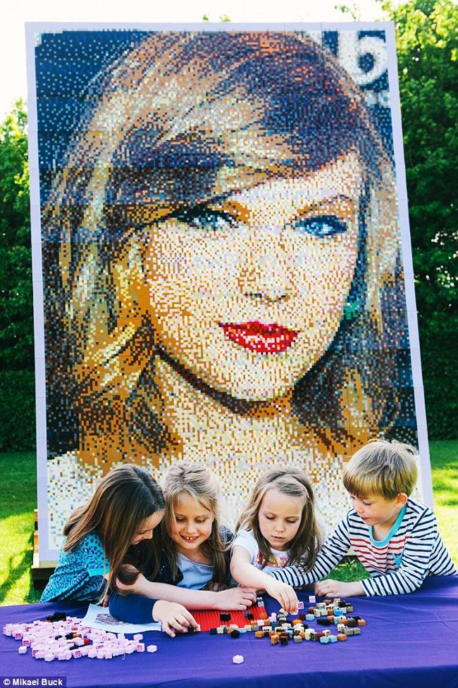 , Portrait de Taylor Swift en Impressionnante Mosaïque de LEGO