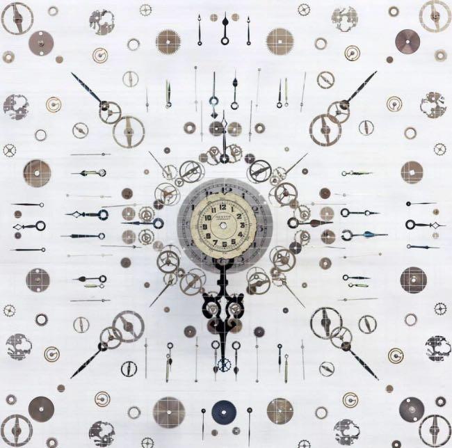 anna masters art sculpture horloge suspension 2 - Elle Fait Voler en Eclats les Horloges pour Mieux Apprécier le Présent