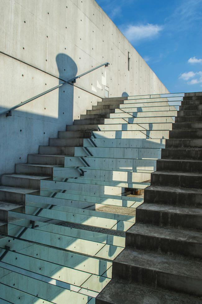 , Miroirs d'Evasion dans le Désert et les Escaliers de nos Villes