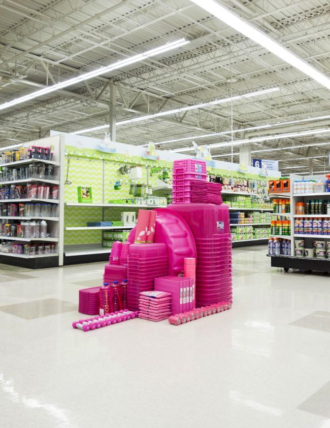 , Les Produits des Supermarchés en Installations d'Art Chromatiques