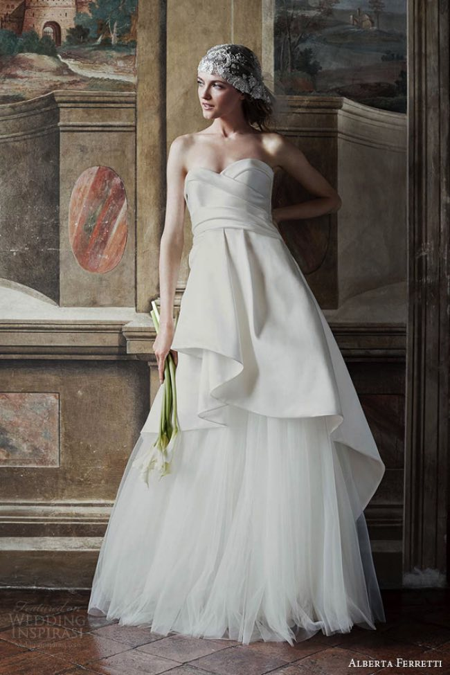 , Alberta Ferretti, la Collection de Robes de Mariée 2016 qui Enchante