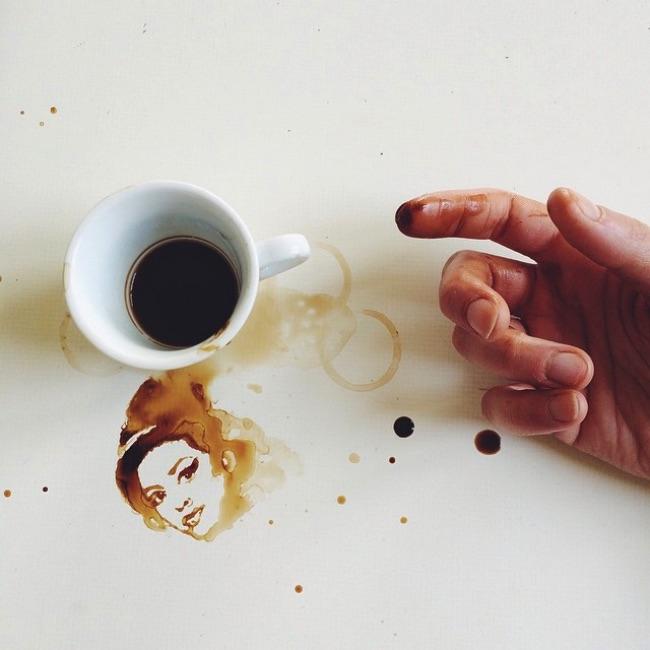 , Quand les Tasses de Café Renversées se Font Oeuvres d'Art