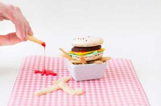 mini-macaron-cheeseburgers-burger-frites-1