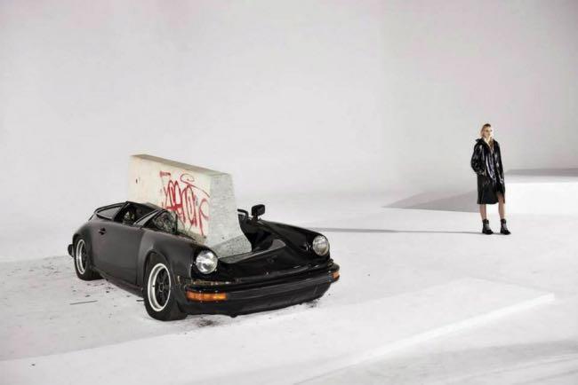 rag bone hiver campagne fw 2015 2016 2 - Pour l'Hiver 2015 Rag & Bone Detruit une Porsche 911 SC (video)