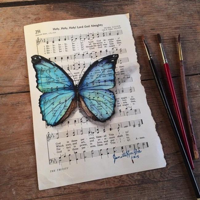 janette rose peinture papillons, Délicates Peintures 3D de Papillons sur Partitions de Musique