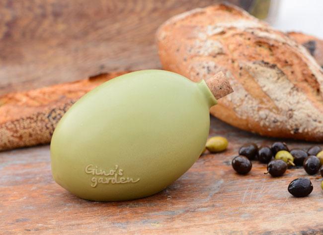 , Ces Olives Geantes sont des Bouteilles d'Huile Bio