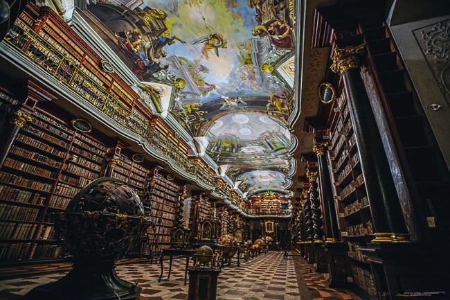 klementinum prague bibliotheque baroque 5 - Klementinum, la plus Baroque des Bibliothèques au Monde est à Prague