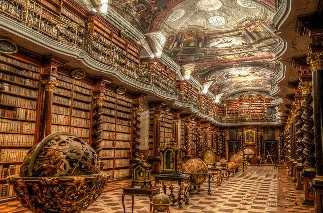 klementinum prague bibliotheque baroque 7 - Klementinum, la plus Baroque des Bibliothèques au Monde est à Prague