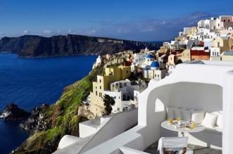 patsios cave suite grece hotel 9 331x219 - A Santorini, une Batisse du 19e Reconvertie en Suite Moderne