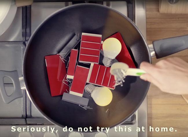 , Quand la PUB IKEA Copie les Films d'Animation PES (video)
