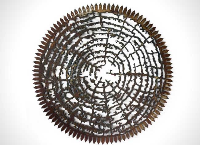dan rawlings sculpture metal scies outils 6 - Délicates Silhouettes Sculptées sur des Outillages Agricoles