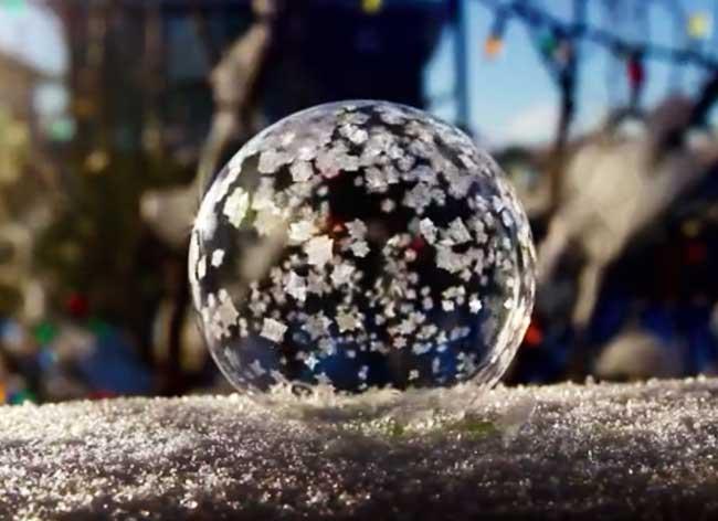 bulle savon givre feerie, Quand une Bulle de Savon Givre, cela Devient Féérique (video)