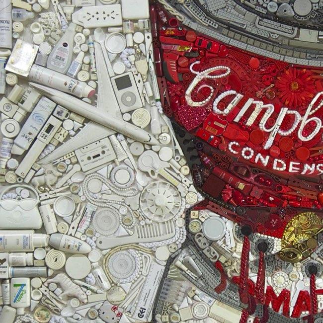 , Sculptures et Pop Culture Faites d'Objets Recyclés