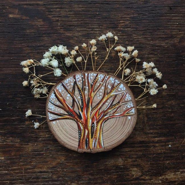 peintures miniatures bois aimera wachna, Fascinantes Mini Peintures sur des Troncs de Bois Recyclé
