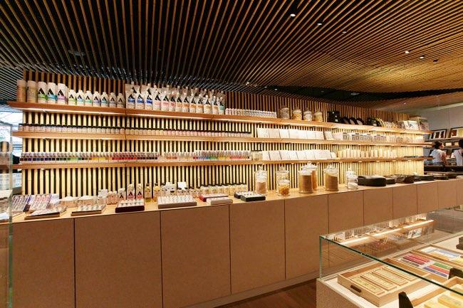 , Pigment Tokyo, la Boutique dont Rêvent les Artistes Peintres