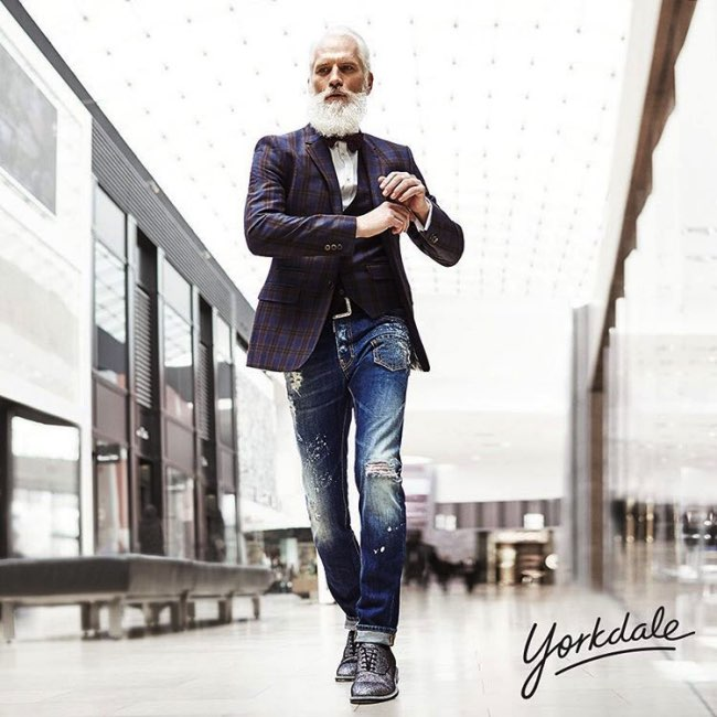 , Le Père Noël s'offre un Relooking Extreme et Fashion (video)