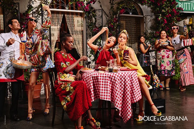 , Dolce & Gabbana Femme Ete 2016 Met l'Italie aux Selfies