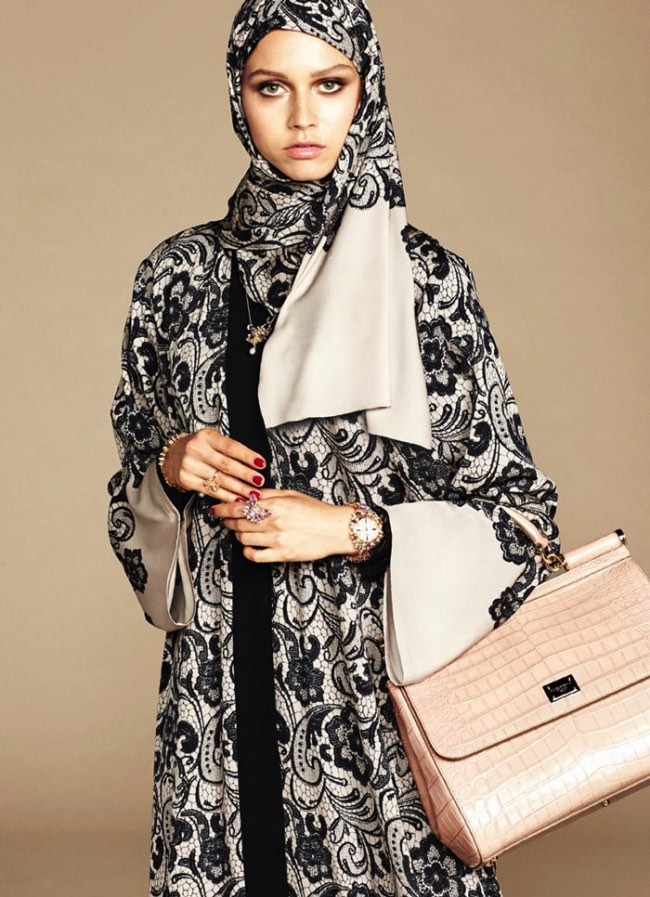 hijabs haute couture dolce gabbana 12 - Hijabs et Abayas Haute Couture Dolce & Gabbana