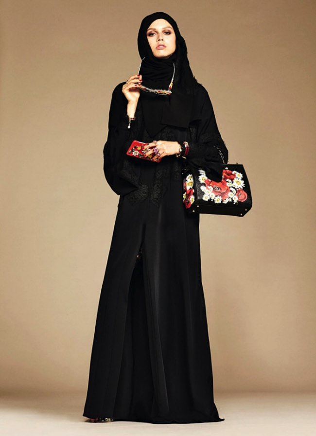 hijabs haute couture dolce gabbana 13 - Hijabs et Abayas Haute Couture Dolce & Gabbana