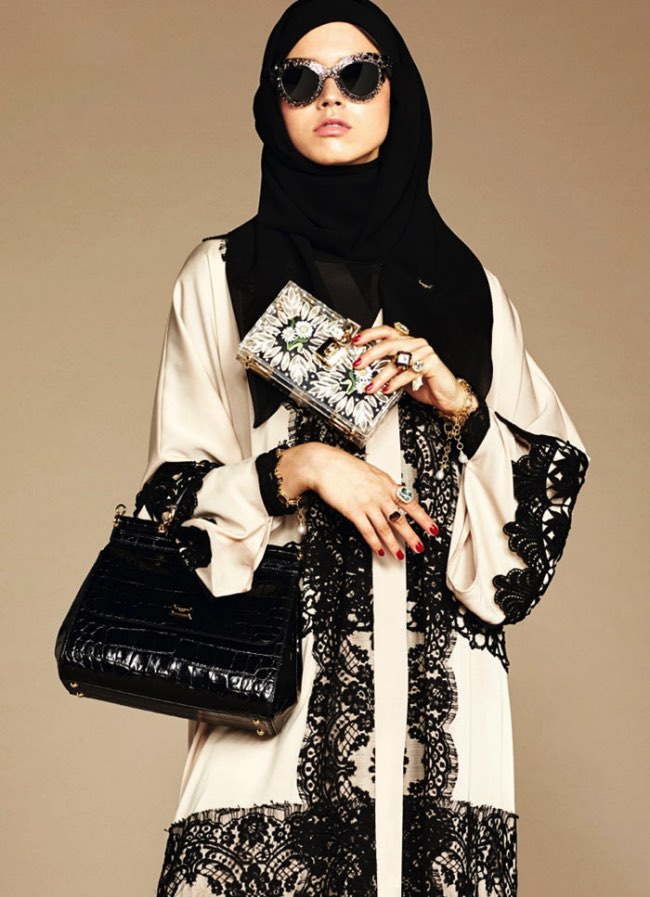 hijabs haute couture dolce gabbana 3 - Hijabs et Abayas Haute Couture Dolce & Gabbana