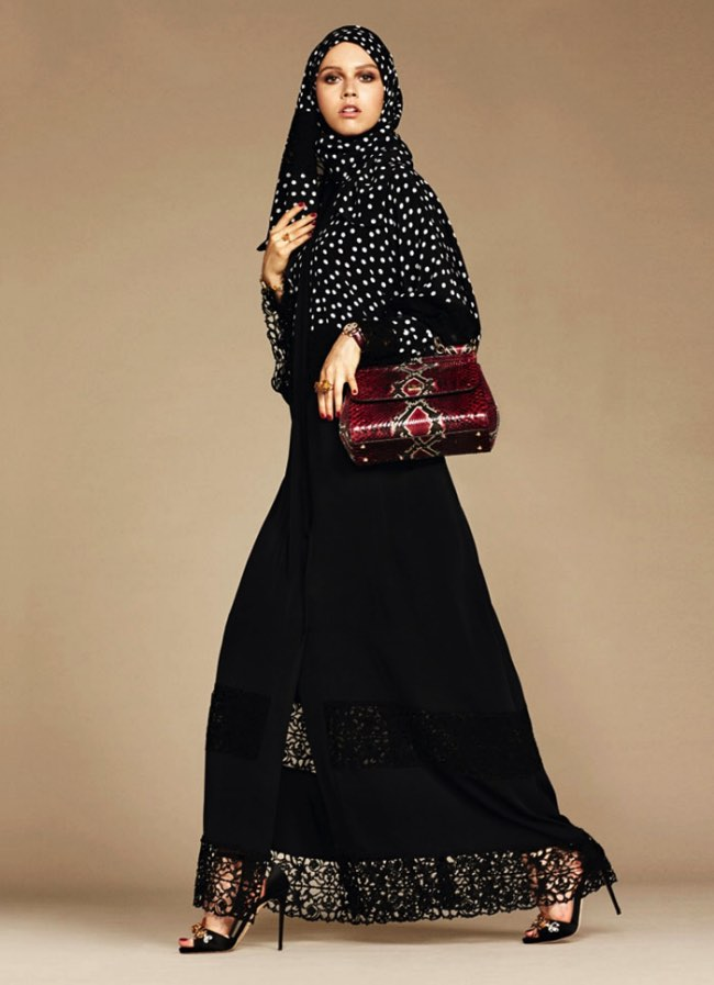 hijabs haute couture dolce gabbana 8 - Hijabs et Abayas Haute Couture Dolce & Gabbana