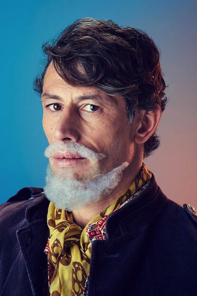 mindo cikanavicius bubbleissimo barbe savon postiche 2 - Ils se Font Mousser une Barbe pour Ressembler aux Hipsters