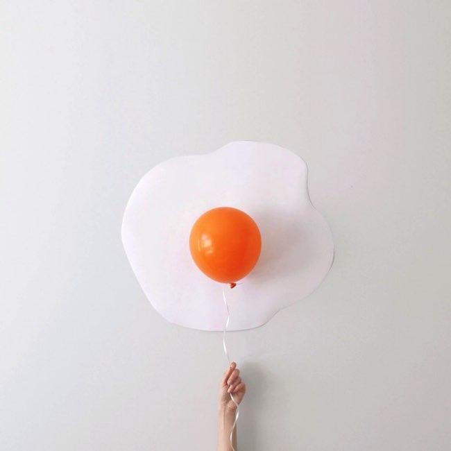 peechaya burroughs detournement ballons photos 5 - Les Ballons de Baudruches dans un Détournement Creatif