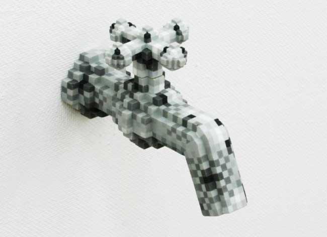 , Sculptures d'Objets Usuels en Céramique au Style Pixel Art