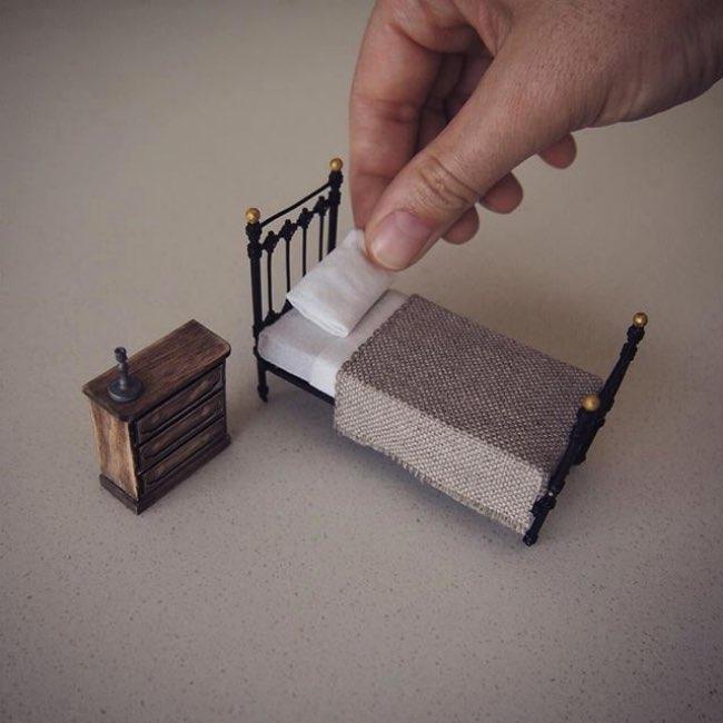 , Elle Quitte son Emploi d'Avocate pour Créer du Mobilier Miniature