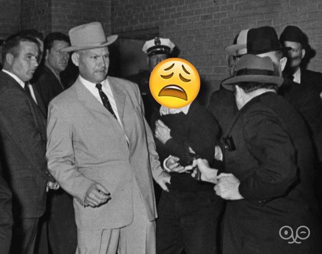 , Quand les Emojis s'Incrustent dans les Photos Historiques