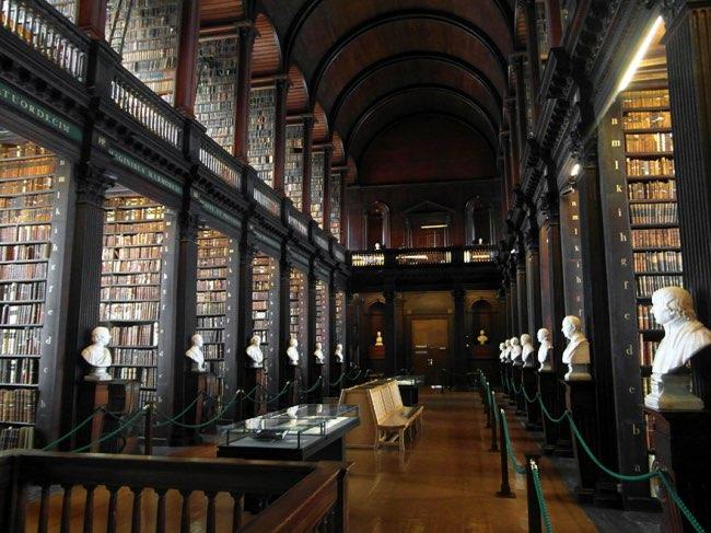 , La Plus Ancienne Bibliothèque de Dublin va vous Subjuguer (video)