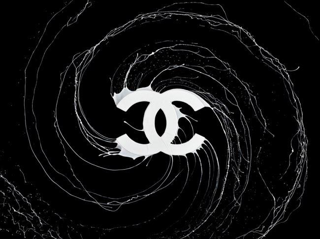 , Voici ce qui Arrive quand des Artistes Font Tourner les Logos de Marques