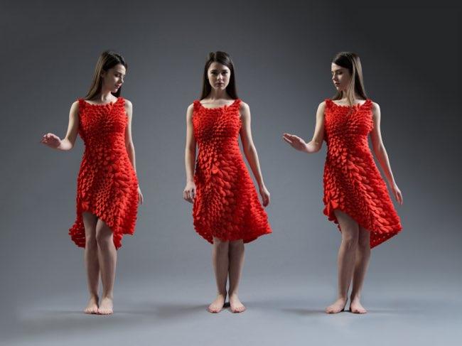 , 1600 Pétales de Roses pour une Robe Imprimée en 3D (vidéo)