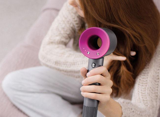 , Dyson Invente le Sèche-Cheveux Compact et Silencieux (video)