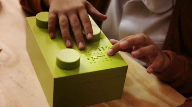 braille bricks lego apprentissage 2 - Briques Braille pour Apprendre aux Enfants Aveugles à Lire (video)