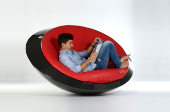 itoneoff-ufo-fauteuil-soucoupe-volante-rocking-chair-2