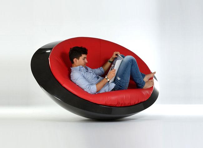 itoneoff ufo fauteuil soucoupe volante rocking chair 2 - UFO, un Fauteuil Soucoupe Volante qui Défie la Gravité (video)