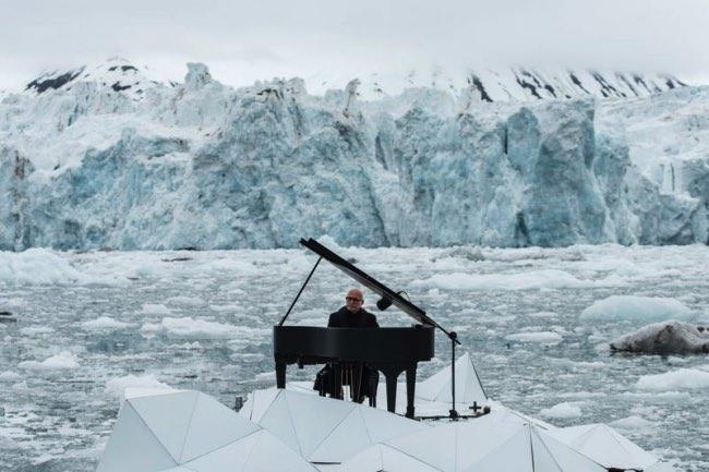 , Pour Greenpeace, il Organise un Récital au Piano sur la Banquise (video)