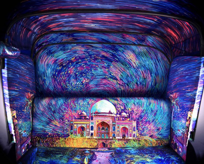 , A Delhi en Inde ce Pousse-Pousse est une Vraie Oeuvre d'Art