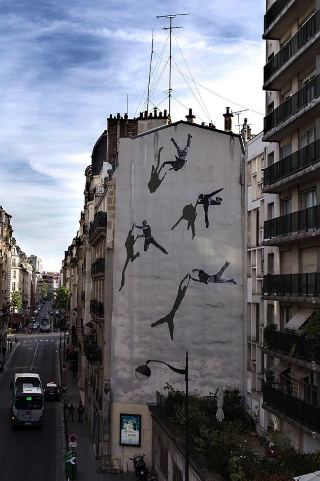 , STROK Peint à Paris une Vertigineuse Fresque Urbaine (video)