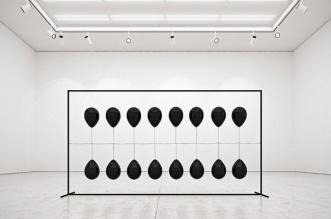 tadao cern black balloons installation ballons art 6 331x219 - Artistique Installation de Ballons Gonflés à l'Hexafluorure de Soufre