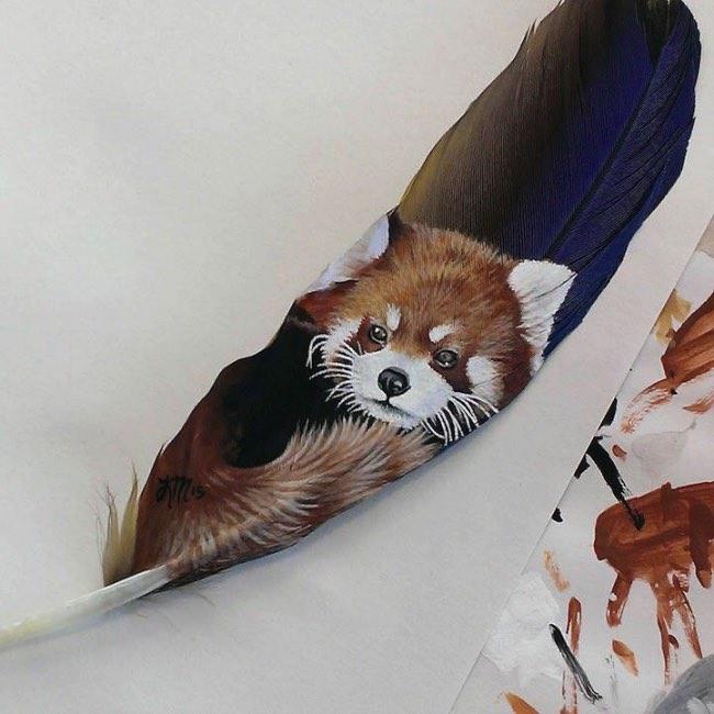 , Sur des Plumes elle Peint de Saisissants Portraits d'Animaux
