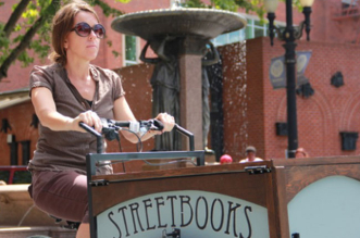 bibliotheque-mobile-sdf-street-books-velo-1