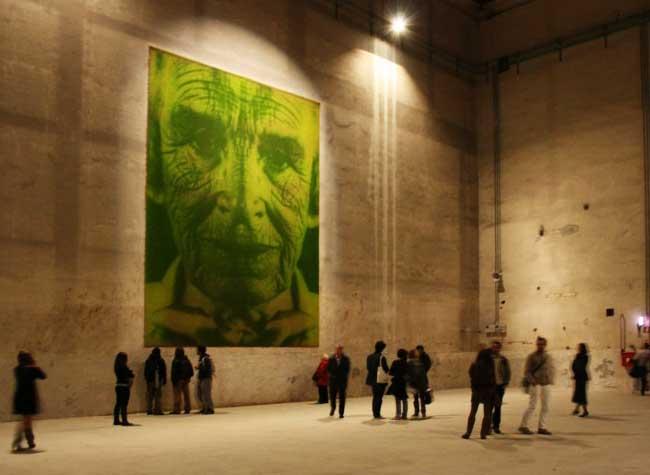 , Sur des Murs Végétaux ils Font Pousser des Photos Portraits (video)