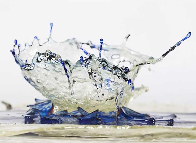 , Ces Eclaboussantes Sculptures Liquides sont en Résine