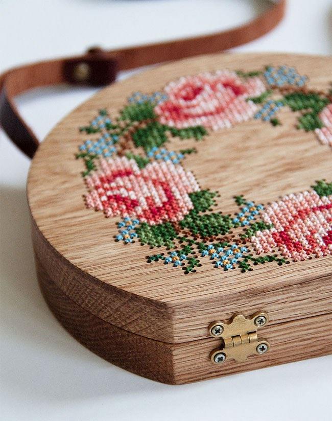 sacs bois handmade broderie grave, Élégants Sacs en Bois aux Broderies en Fleurs