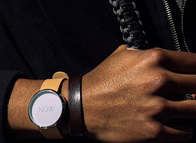 now watch montre, Montre 'Now Watch' pour Vivre l'Instant Présent