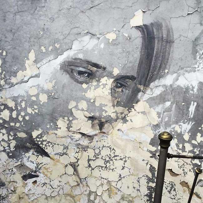 , Mélancoliques Portraits Glamour dans des Lieux Abandonnés (video)